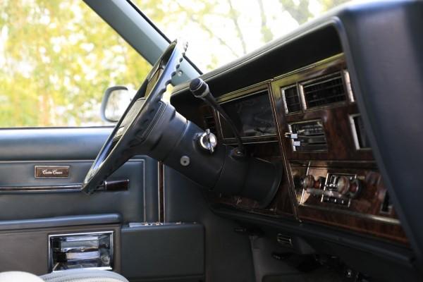 po-pojas-derevjannyj-opyt-vladenija-oldsmobile-custom-cruiser-1983-goda-0d93f31